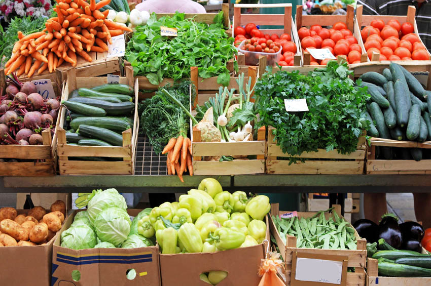 Прикарпатцям на замітку: фахівці розповіли, як купити ранні овочі без нітратів